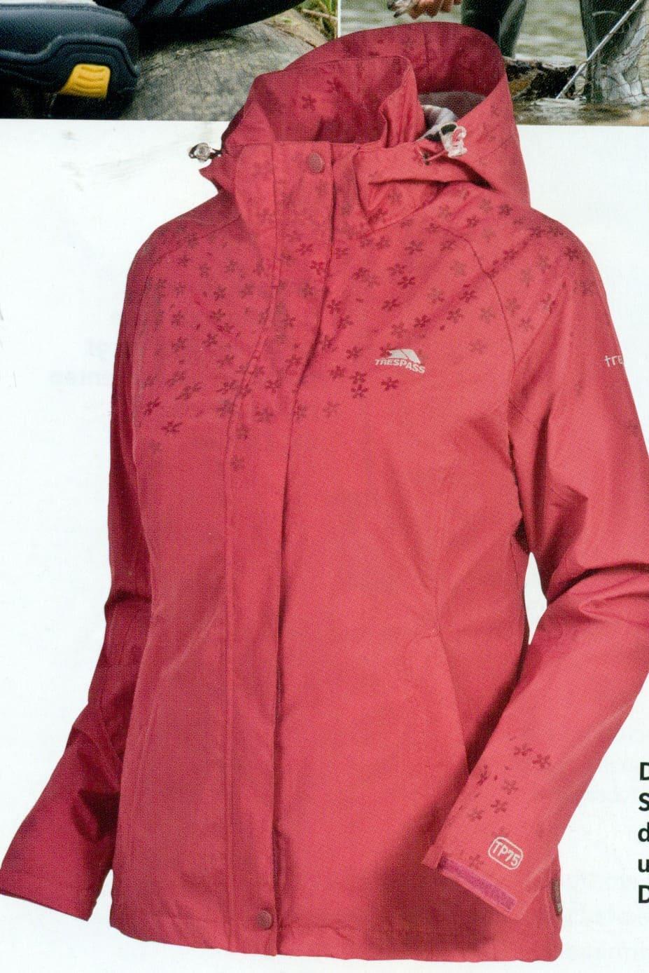 Die neue Trespass-Kollektion Sommer 2011 fällt farbenfroh aus