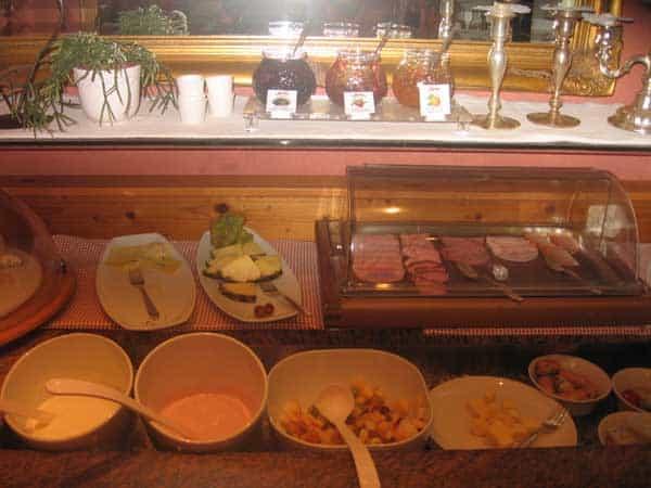 Das Frühstücksbuffet - alles, was das Herz begehrt