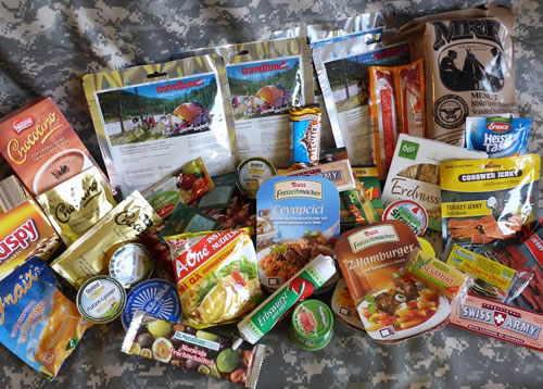 Trekking Nahrung für unterwegs ist platzsparend und leicht