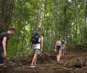 Trekking Tour im Team