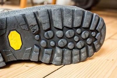 Kapute Schuhsolen reparieren